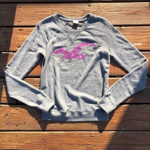 5/$25⭐️ grey and sparkly pink hollister shirt